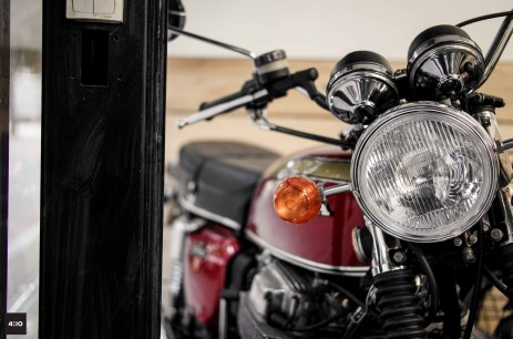 authentic-motors-Paris-honda-750-four-3-min