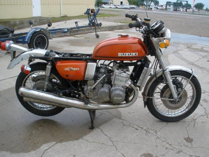 suzuki gt 750 orange 2000$